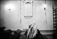 Praying before Shabbat service in the Remu Synagogue. 1979